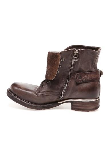 As 98 Ayakkabı Taş
